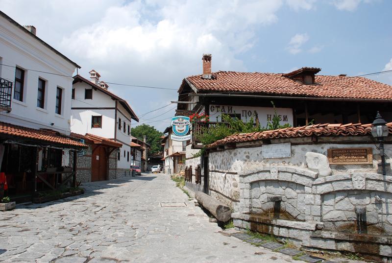 По каменните улички на Банско