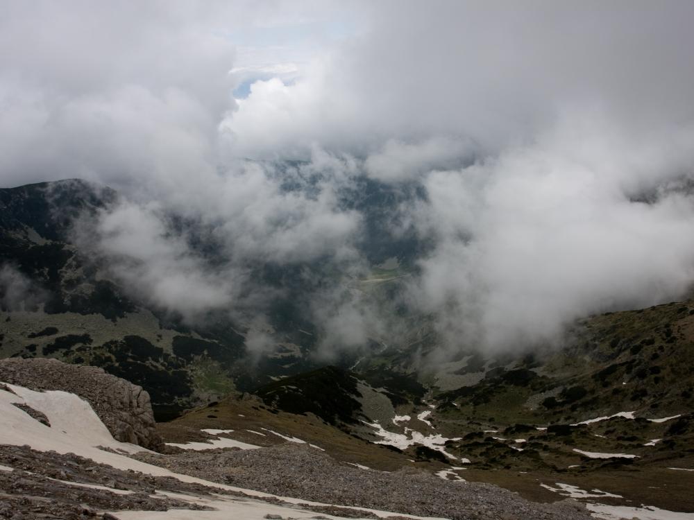Изглед от връх Вихрен