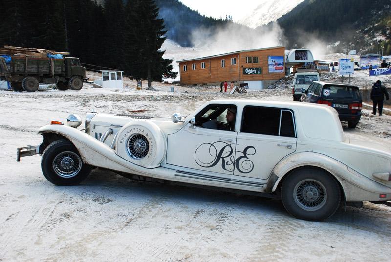 Ретро автомобил в ски зоната