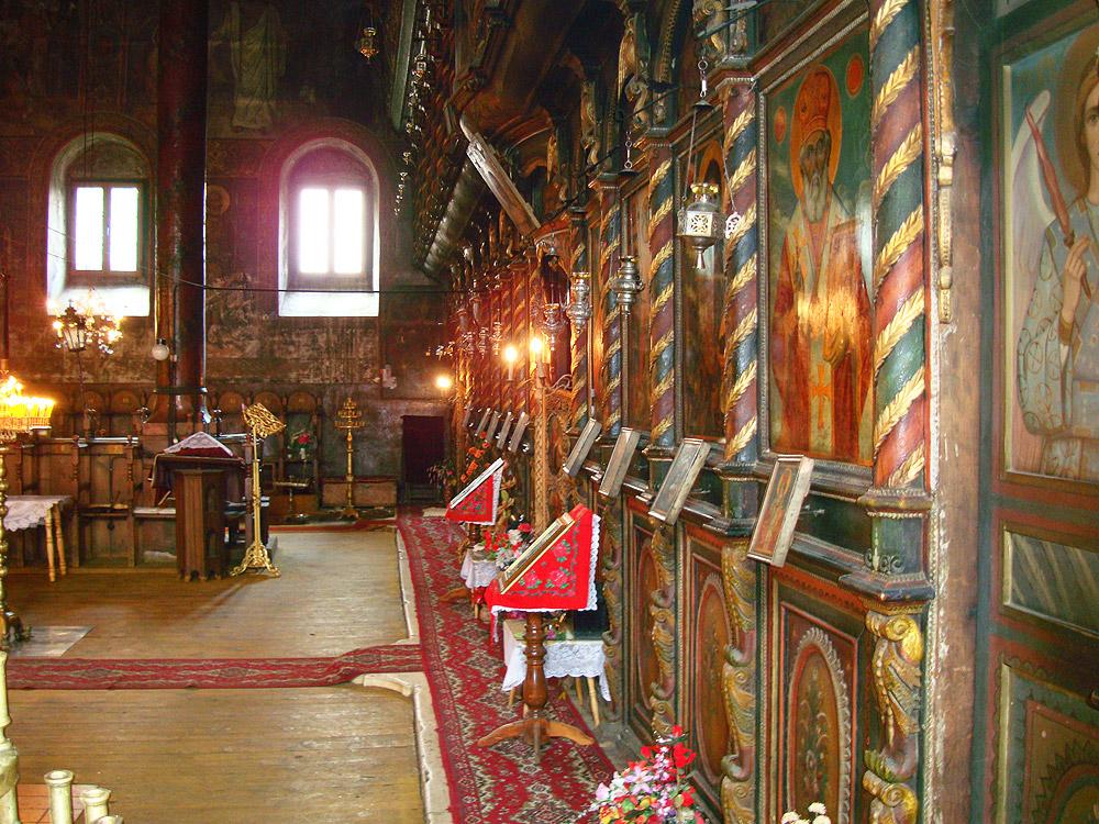 В църквата в Банско
