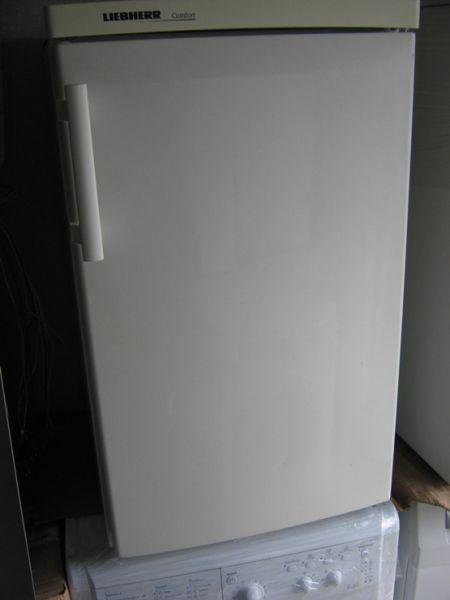 2. Снимка на Продава се хладилник малък Liebherr с малка вътрешна камер