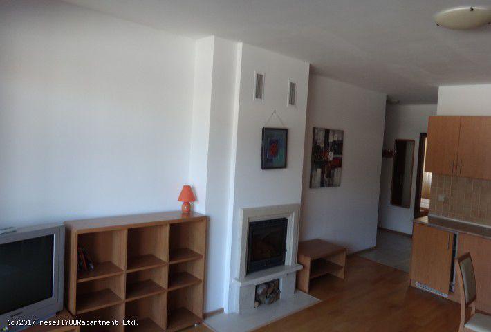3. Снимка на Тристаен апартамент в Банско