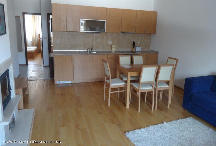 1. Снимка на Тристаен апартамент в Банско