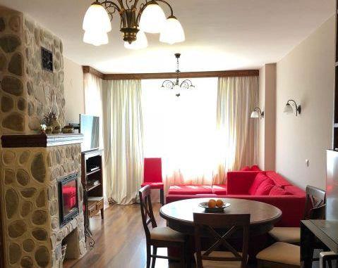 BA688 - Луксозно обзаведен тристаен апартамент с камина и от